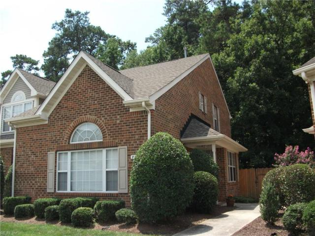 736 W Lake Cir, Chesapeake, VA 23322 (#10210430) :: The Kris Weaver Real Estate Team