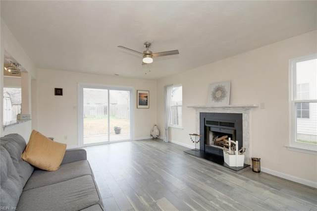 1889 Gershwin Dr, Virginia Beach, VA 23454 (#10302255) :: Berkshire Hathaway HomeServices Towne Realty