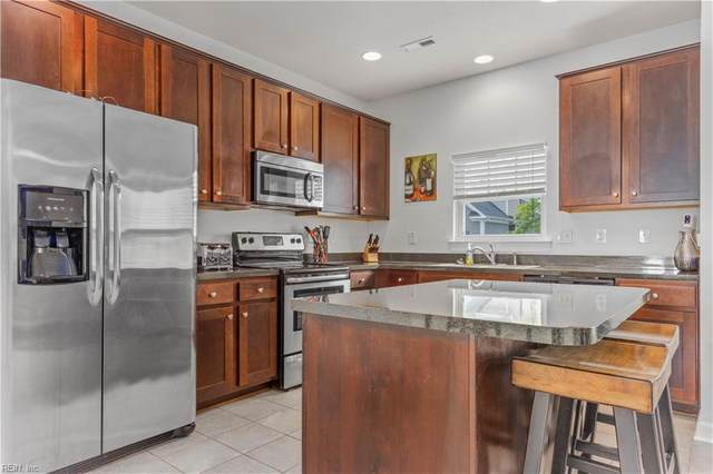 523 Abelia Way, Chesapeake, VA 23322 (#10322743) :: Berkshire Hathaway HomeServices Towne Realty