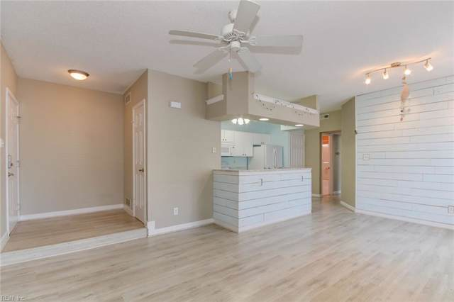3212 Jade Ct #204, Virginia Beach, VA 23451 (#10281347) :: Upscale Avenues Realty Group