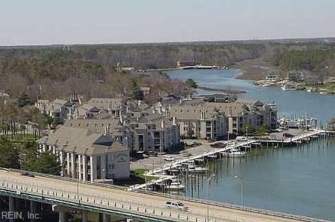 405 Harbour Point #306, Virginia Beach, VA 23451 (#10139710) :: Green Tree Realty Hampton Roads