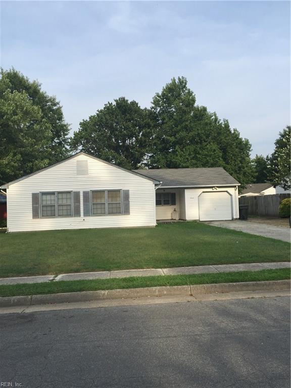 7 Lake Walk Crossing St, Hampton, VA 23666 (#10140865) :: Berkshire Hathaway Home Services Towne Realty