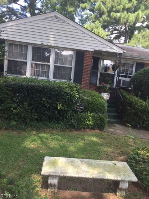 3718 Peake Rd, Norfolk, VA 23502 (MLS #10146268) :: Chantel Ray Real Estate
