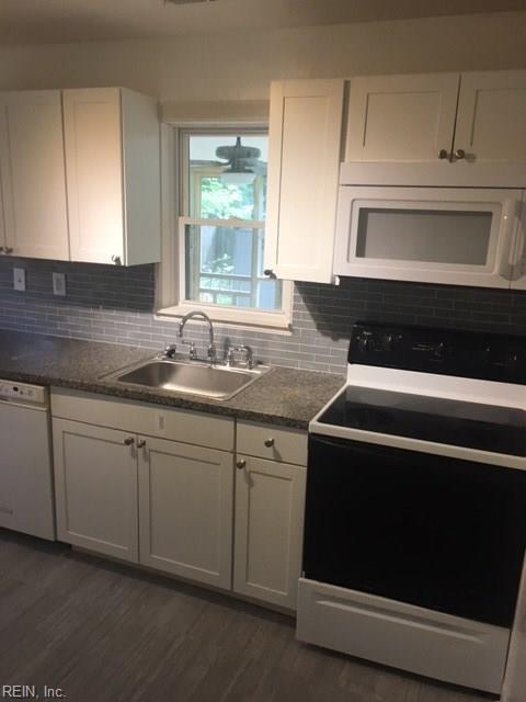 3821 Robin Hood Rd, Norfolk, VA 23513 (#10150574) :: Hayes Real Estate Team
