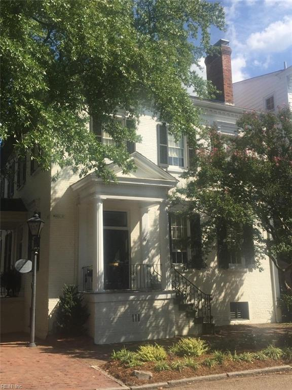 351 Middle St, Portsmouth, VA 23704 (MLS #10152514) :: Chantel Ray Real Estate