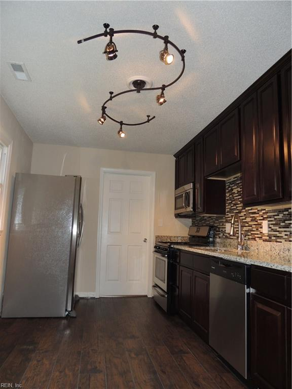 1633 King William Rd, Virginia Beach, VA 23455 (#10153181) :: Berkshire Hathaway HomeServices Towne Realty