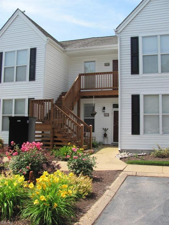 424 Persimmon Dr, York County, VA 23693 (#10165733) :: RE/MAX Central Realty
