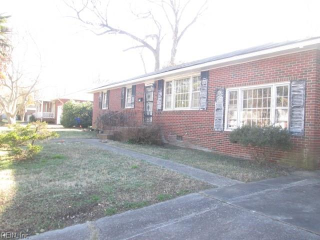 1411 Hillandale Rd, Norfolk, VA 23502 (#10174886) :: Abbitt Realty Co.