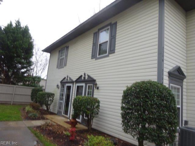 2306 Dorian Ct, Virginia Beach, VA 23454 (#10176902) :: The Kris Weaver Real Estate Team