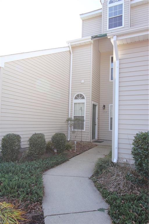 1757 Grand Bay Dr, Virginia Beach, VA 23456 (MLS #10178617) :: Chantel Ray Real Estate