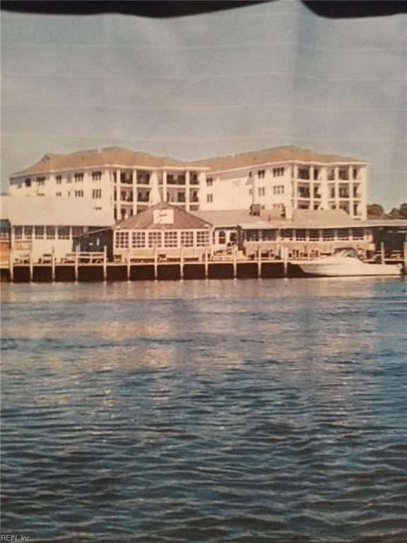 2140 Vista Cir #203, Virginia Beach, VA 23451 (#10179162) :: Austin James Real Estate