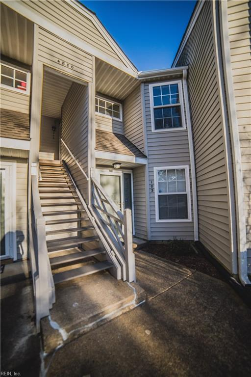 4880 Cypress Point Cir #203, Virginia Beach, VA 23455 (MLS #10179257) :: Chantel Ray Real Estate
