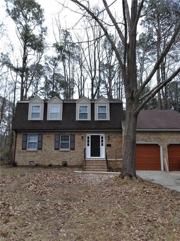858 Loraine Dr, Newport News, VA 23608 (MLS #10180558) :: Chantel Ray Real Estate