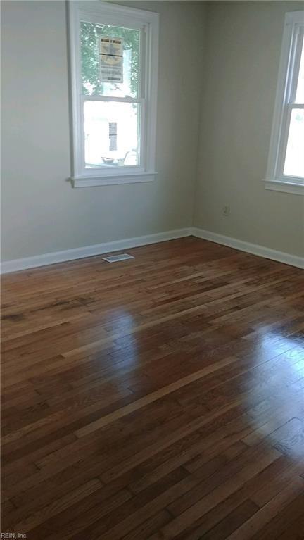 304 Maney Dr, Newport News, VA 23605 (MLS #10180568) :: Chantel Ray Real Estate
