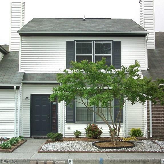 5 Parkway Dr, Hampton, VA 23669 (MLS #10180626) :: Chantel Ray Real Estate