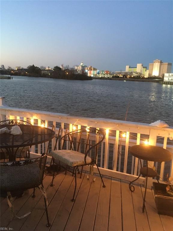 357 Lake Dr, Virginia Beach, VA 23451 (#10183886) :: Austin James Real Estate
