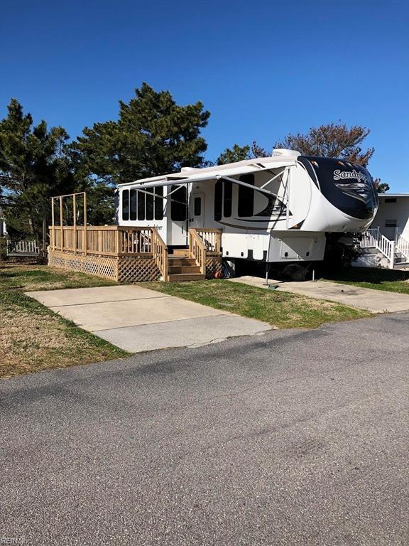 3665 Sandpiper Rd, Virginia Beach, VA 23456 (#10183989) :: Austin James Real Estate