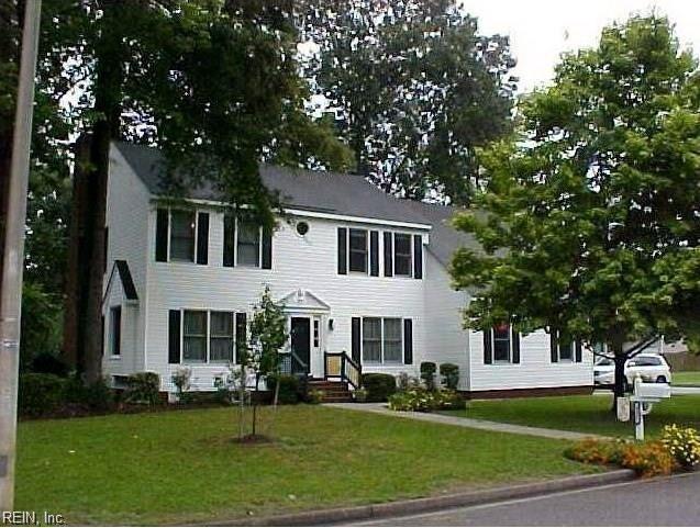 417 Meridian Dr, Chesapeake, VA 23322 (MLS #10185292) :: Chantel Ray Real Estate