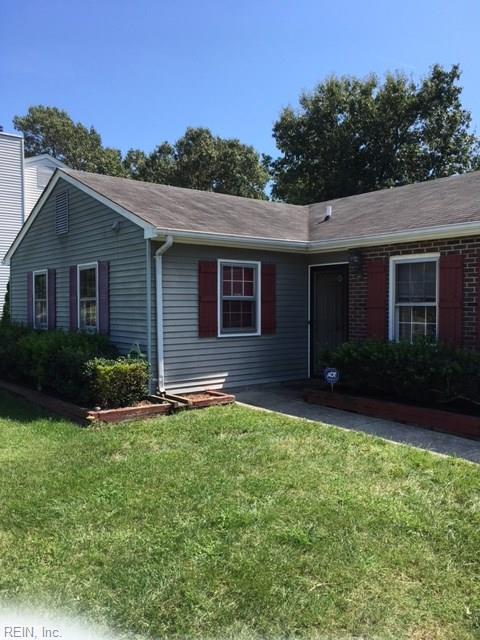 68 Hall Rd, Hampton, VA 23664 (MLS #10187283) :: AtCoastal Realty