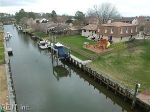 13 Canal Ct, Poquoson, VA 23662 (MLS #10190340) :: Chantel Ray Real Estate