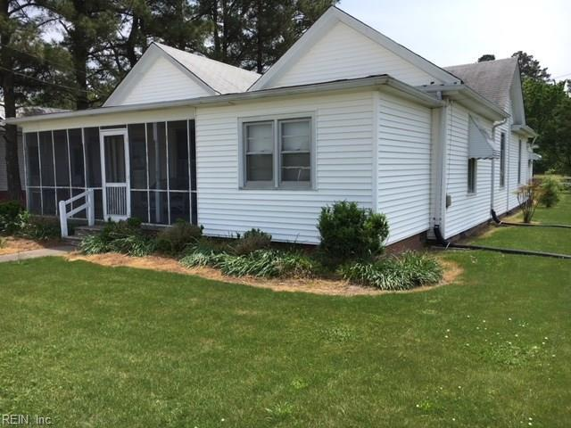 25 Bank St, Isle of Wight County, VA 23487 (#10193958) :: The Kris Weaver Real Estate Team