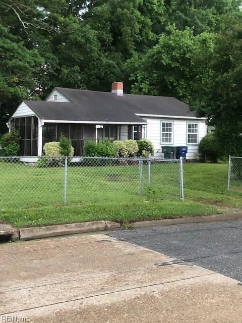7901 Simons Dr, Norfolk, VA 23505 (#10198956) :: The Kris Weaver Real Estate Team