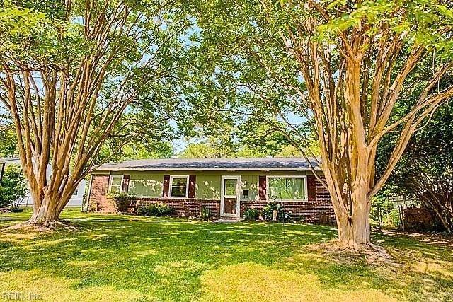 170 Ridgewood Pw, Newport News, VA 23608 (MLS #10201770) :: Chantel Ray Real Estate