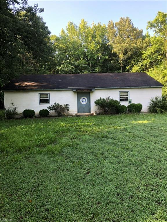 10767 Colonial Trail West Rd, Surry County, VA 23881 (#10204719) :: Atkinson Realty