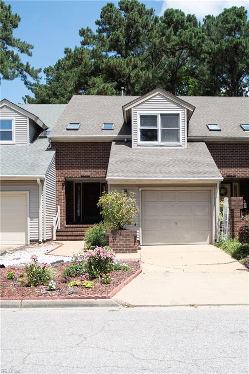 502 Kempsville Greens Ct, Virginia Beach, VA 23462 (MLS #10205978) :: Chantel Ray Real Estate
