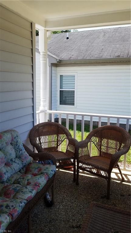 942 Lowry Pl, Newport News, VA 23608 (#10206927) :: Atkinson Realty