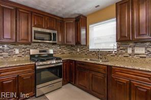 2606 Peach St, Portsmouth, VA 23704 (#10207890) :: The Kris Weaver Real Estate Team