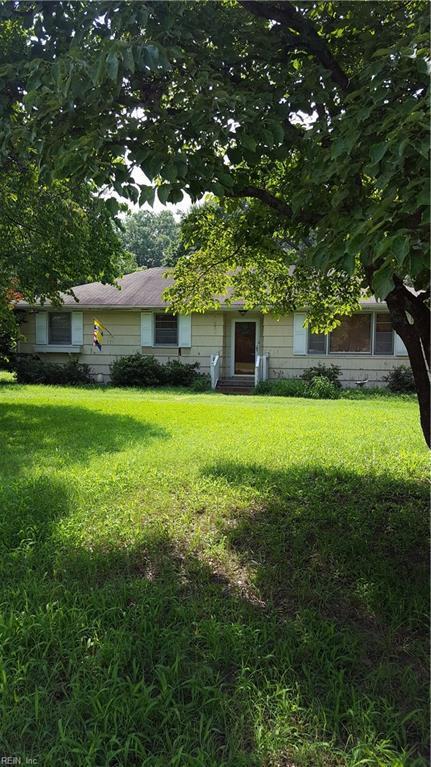 1605 Lilac Ave, Chesapeake, VA 23325 (#10210732) :: Austin James Real Estate