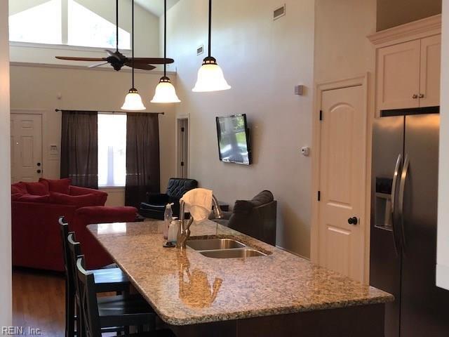 1320 Melrose Pw, Norfolk, VA 23508 (MLS #10218364) :: Chantel Ray Real Estate