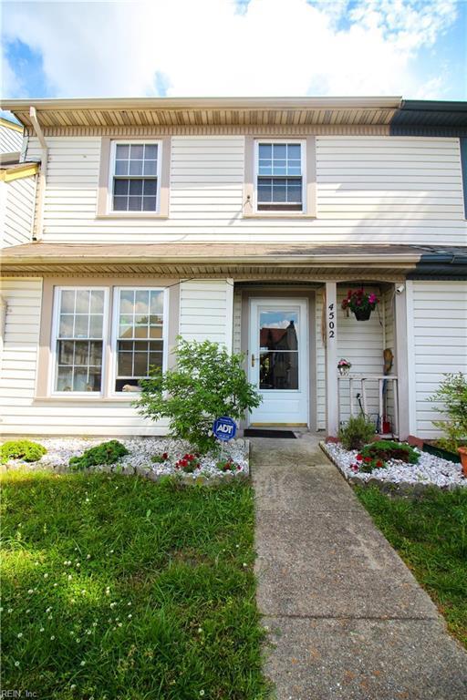 4502 Greyedge Dr, Virginia Beach, VA 23462 (#10218604) :: The Kris Weaver Real Estate Team