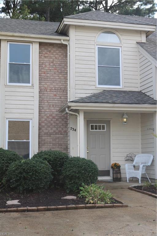 734 S Lake Cir, Chesapeake, VA 23322 (#10218966) :: Abbitt Realty Co.