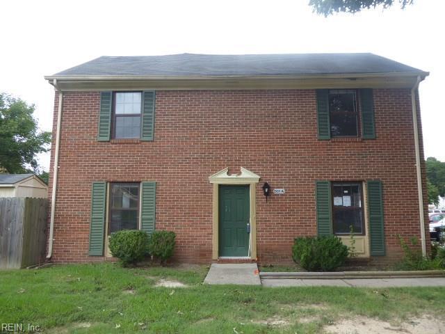 301 Circuit Ln A, Newport News, VA 23608 (#10219135) :: Berkshire Hathaway HomeServices Towne Realty