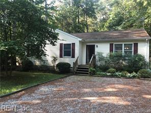 11208 Piankatank Dr, Gloucester County, VA 23061 (#10221622) :: Momentum Real Estate