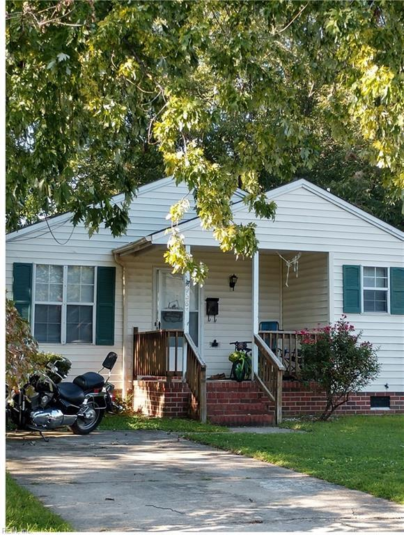 9287 Hickory St, Norfolk, VA 23503 (MLS #10221643) :: Chantel Ray Real Estate