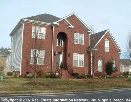 5300 South Kemper Lakes Ct, Suffolk, VA 23435 (#10227510) :: Atkinson Realty