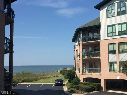 3252 Page Ave #102, Virginia Beach, VA 23451 (#10227518) :: Berkshire Hathaway HomeServices Towne Realty
