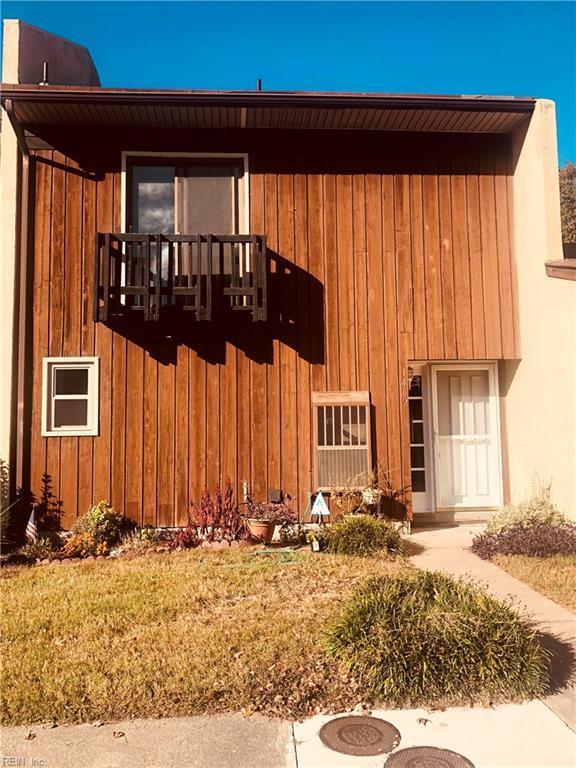 1462 E Tanners Creek Rd, Norfolk, VA 23513 (#10227577) :: Abbitt Realty Co.
