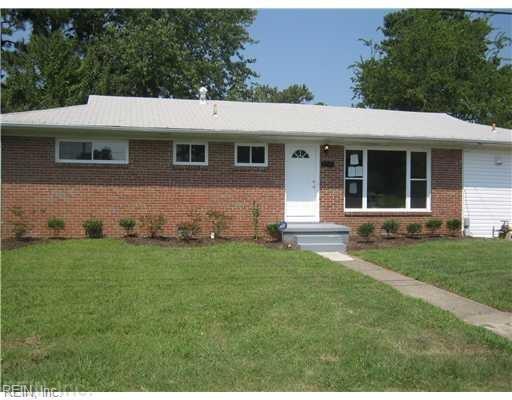 2948 E Little Creek Rd, Norfolk, VA 23518 (#10230184) :: Abbitt Realty Co.