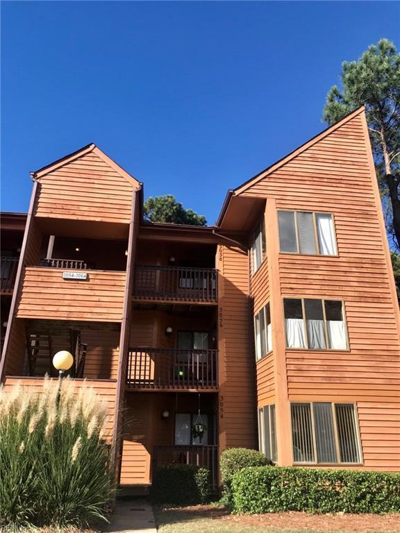 3058 Cape Henry Ct, Virginia Beach, VA 23451 (#10233974) :: Berkshire Hathaway HomeServices Towne Realty