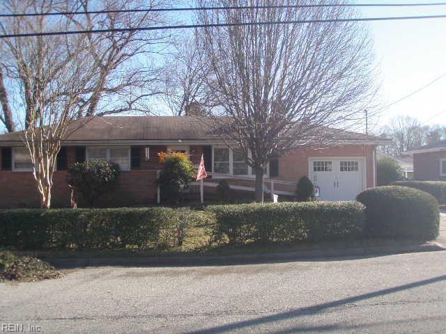 804 Catalina Dr, Newport News, VA 23608 (MLS #10234807) :: AtCoastal Realty