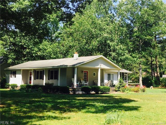 324 Todds Creek Ln, Mathews County, VA 23109 (#10235958) :: The Kris Weaver Real Estate Team