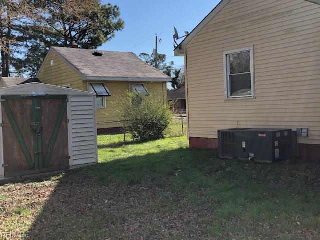 3216 Killian Ave, Portsmouth, VA 23701 (#10239812) :: Berkshire Hathaway HomeServices Towne Realty