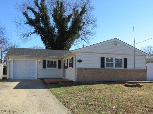 702 Nottingham Dr, Hampton, VA 23669 (#10240082) :: AMW Real Estate