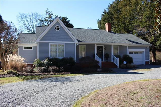 142 Paddle Wheel Dr, Mathews County, VA 23109 (#10243000) :: Berkshire Hathaway HomeServices Towne Realty