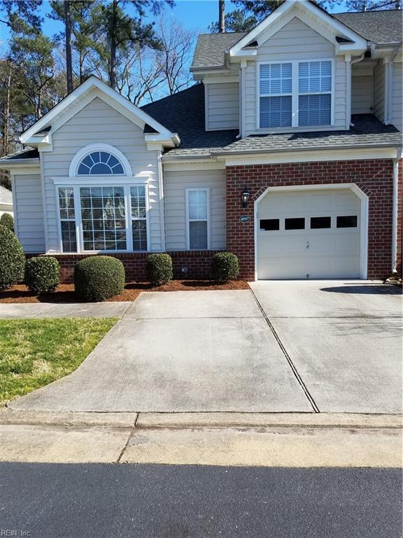 4557 Carriage Dr, Virginia Beach, VA 23462 (#10244107) :: Berkshire Hathaway HomeServices Towne Realty