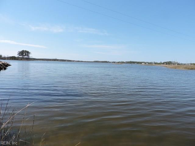9345 Rowes Point Rd, Gloucester County, VA 23072 (MLS #10246963) :: AtCoastal Realty